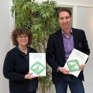 Pivottabeller och tabeller i Excel Tobias Ljung Anna-Karin Petrusson